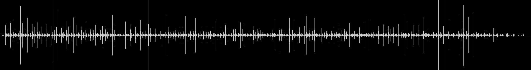 足音(走る)サンダル+コンクリートの未再生の波形