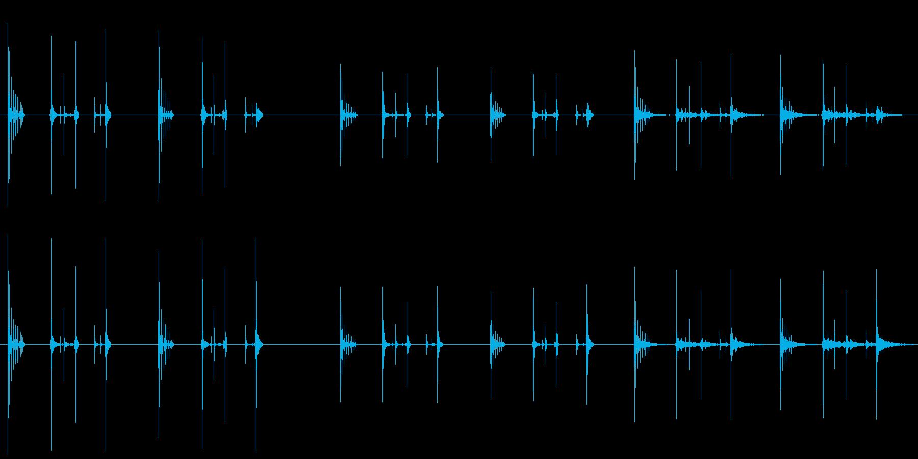ハッチバウンス、2バージョンX 3...の再生済みの波形
