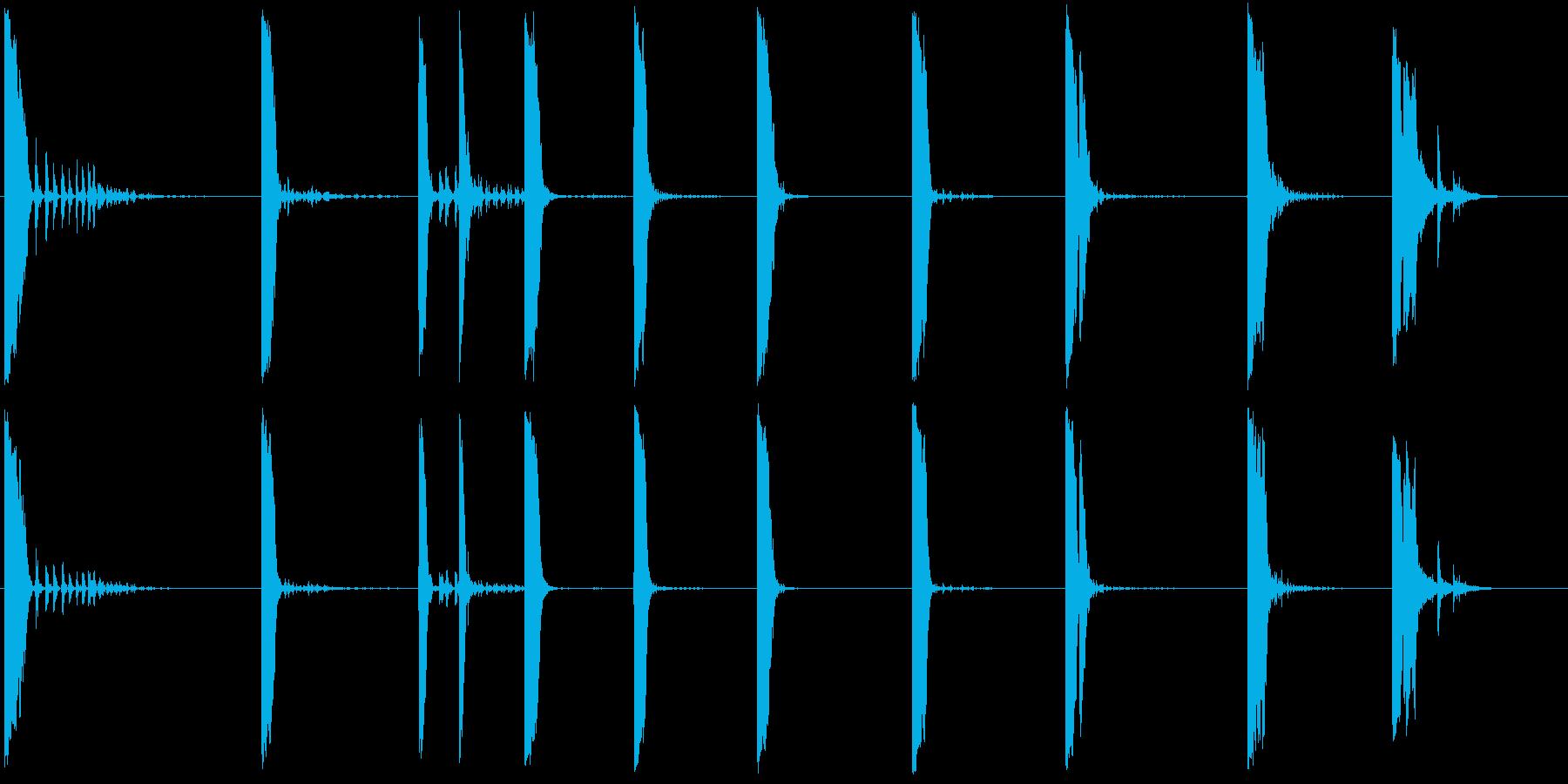 アルミニウムプレートとメタルシリン...の再生済みの波形