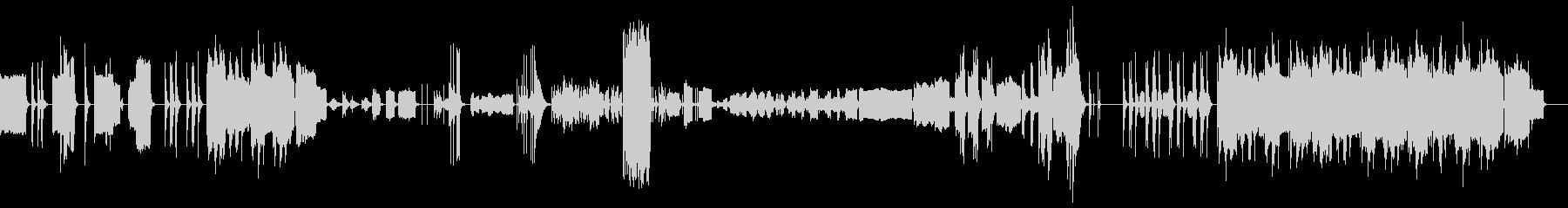 ドラマティックに展開する音楽の未再生の波形
