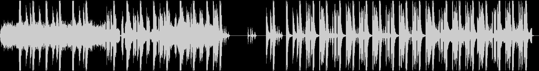 不気味さを感じるテクノサウンドの未再生の波形