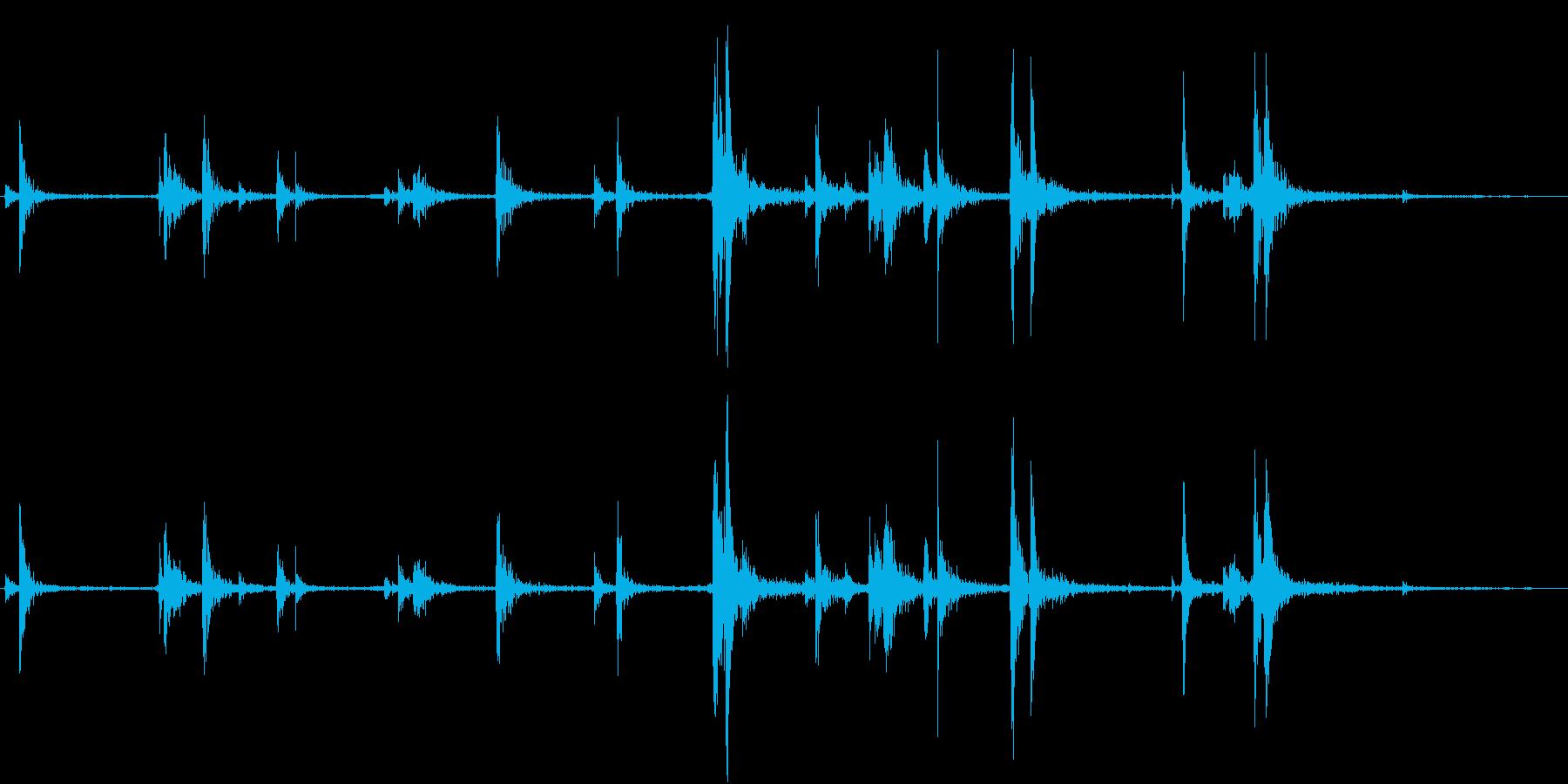 【生録音】弁当・惣菜パックの音 1の再生済みの波形
