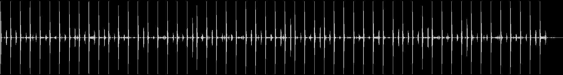ブーツで板張りのフローリングなどを走る音の未再生の波形