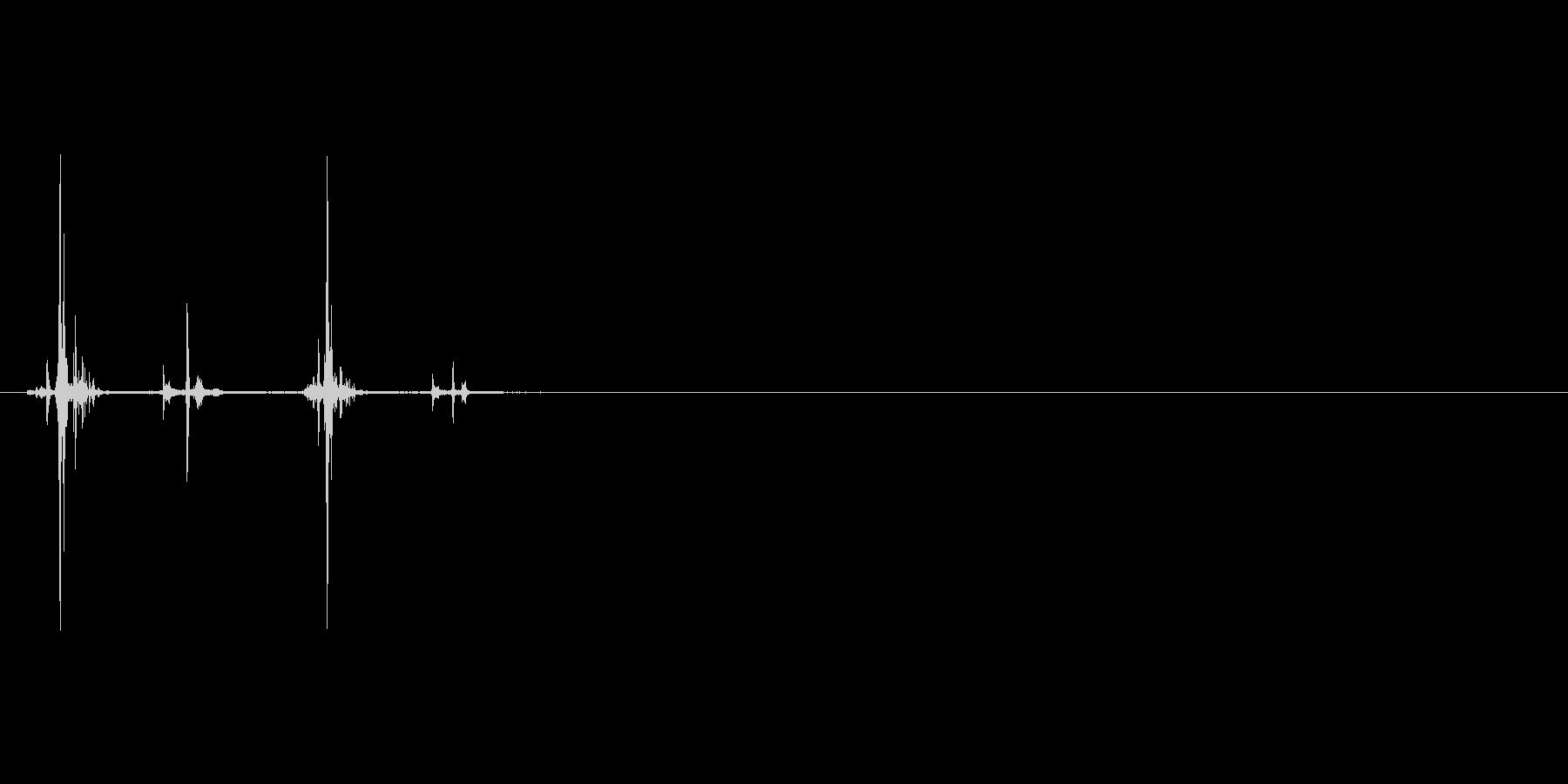 シャープペンを2回ノックする音の未再生の波形