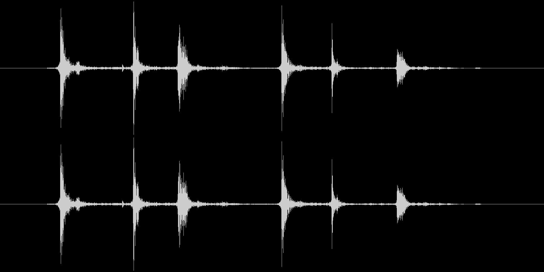 チャラ(金属)の未再生の波形