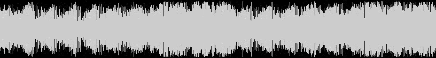 低音のビートが効いたテクノサウンドの未再生の波形