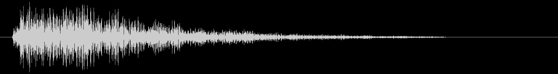 カーンという金属の音の未再生の波形