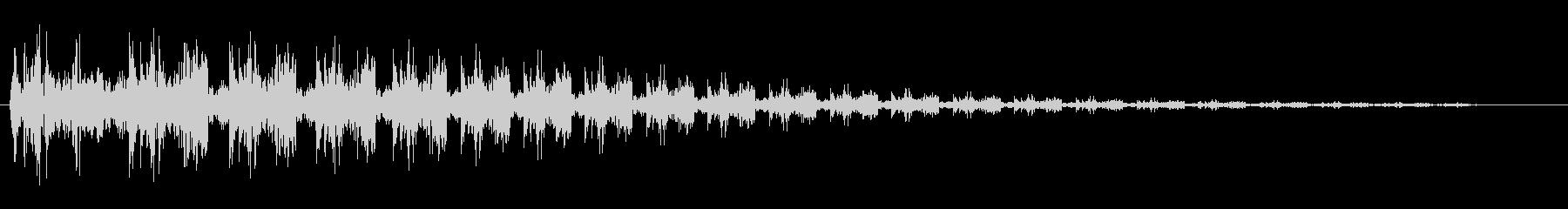 ビヨヨーン(ばねが跳ねるような音)の未再生の波形
