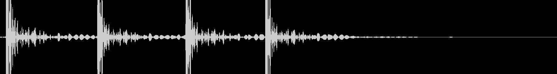 ドンドンドンドン (ドアを叩く音)の未再生の波形