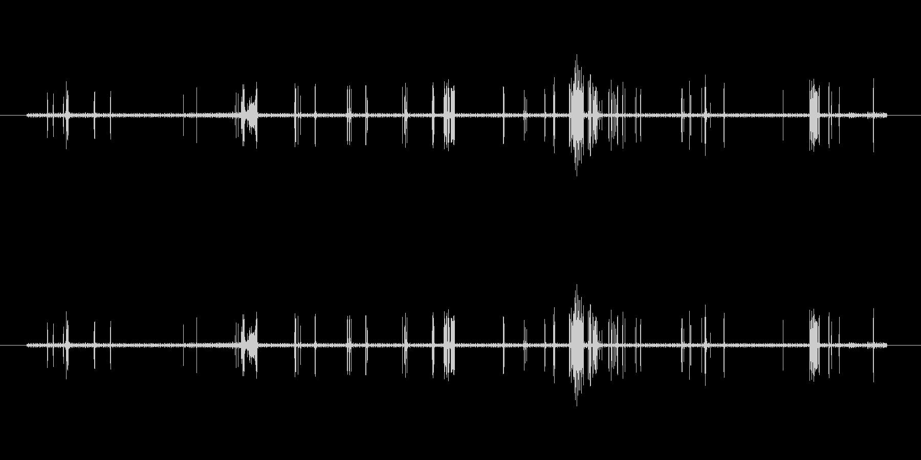 不安定なノイズ(ばちばち)の未再生の波形