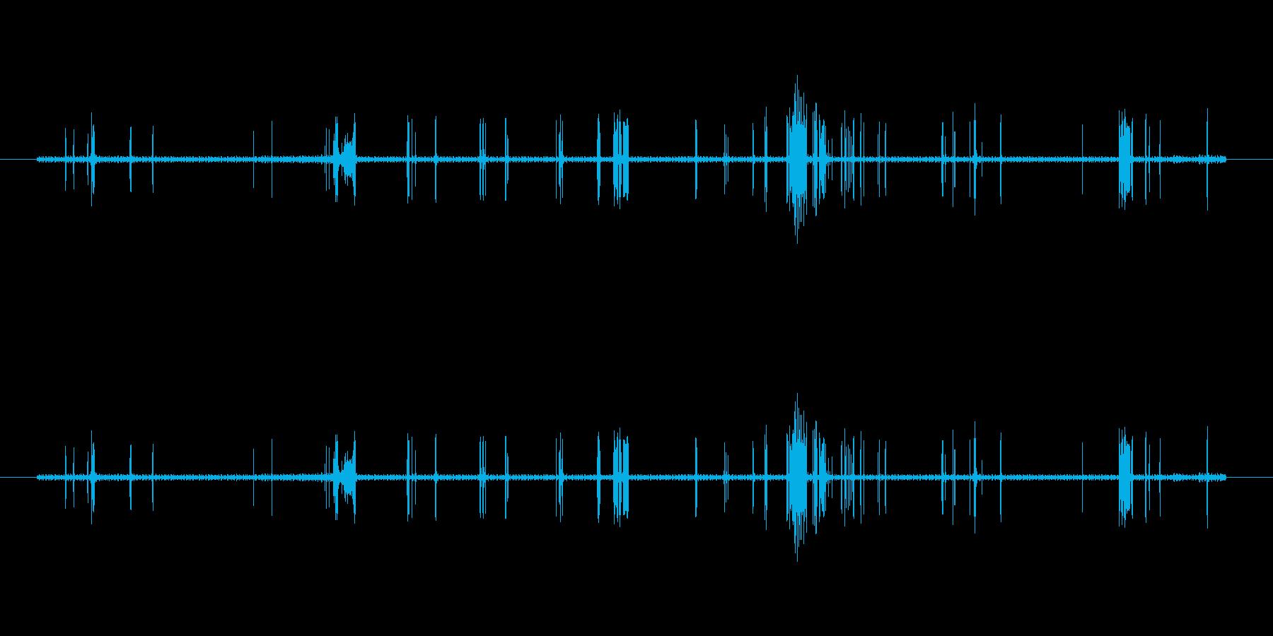 不安定なノイズ(ばちばち)の再生済みの波形