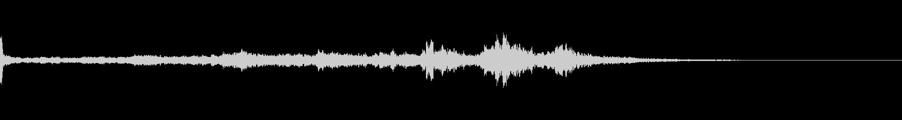キーン(気配、耳鳴り)B7の未再生の波形