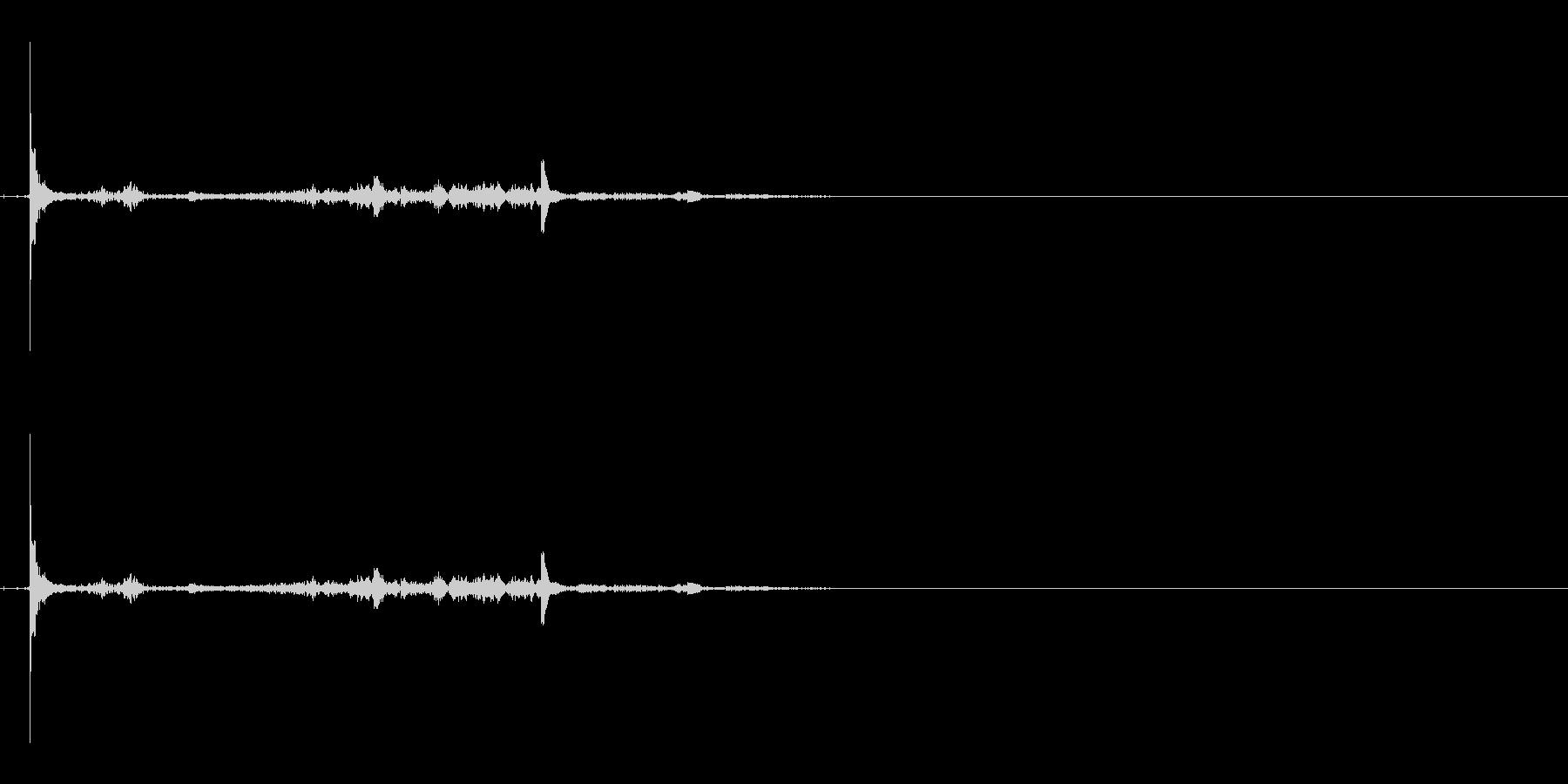 蓋を閉める音の未再生の波形