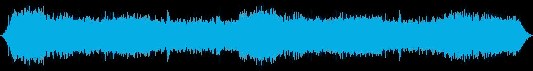 山の風:松の木からの激しい突風の再生済みの波形