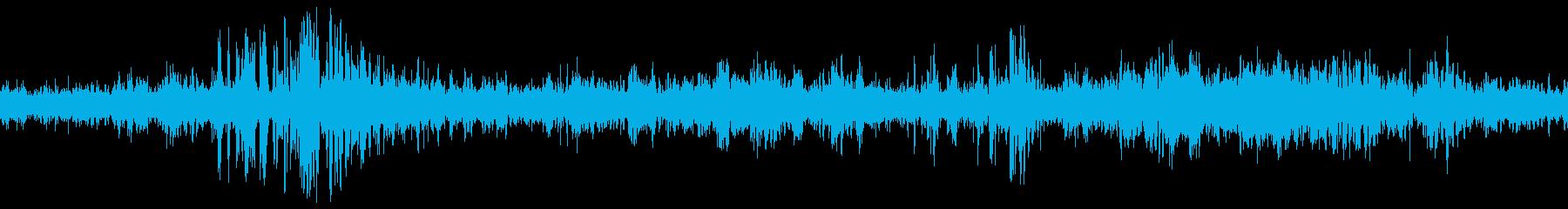 オープンワイヤ:増幅された静的ノイズ静的の再生済みの波形
