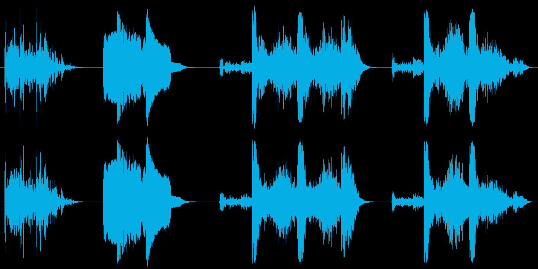 漫画、サンダー、4バージョン。 D...の再生済みの波形