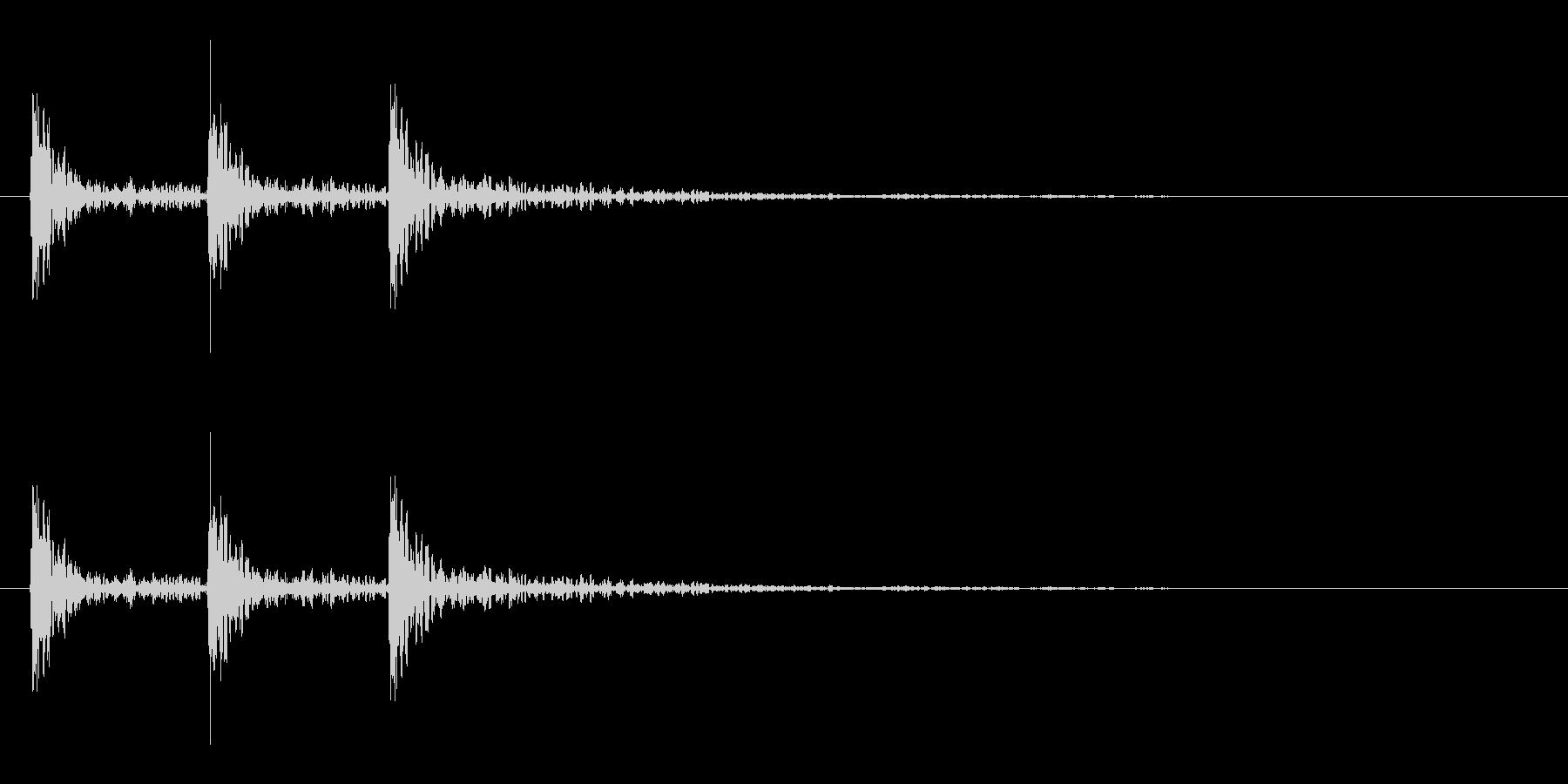 強い打撃音(3発)の未再生の波形