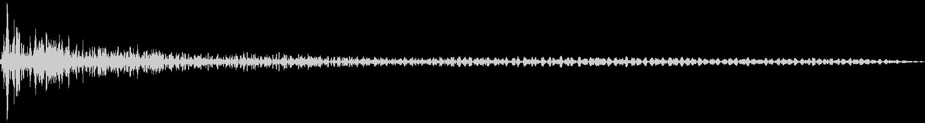 床を打つ音(残響多め)(ダダン)の未再生の波形
