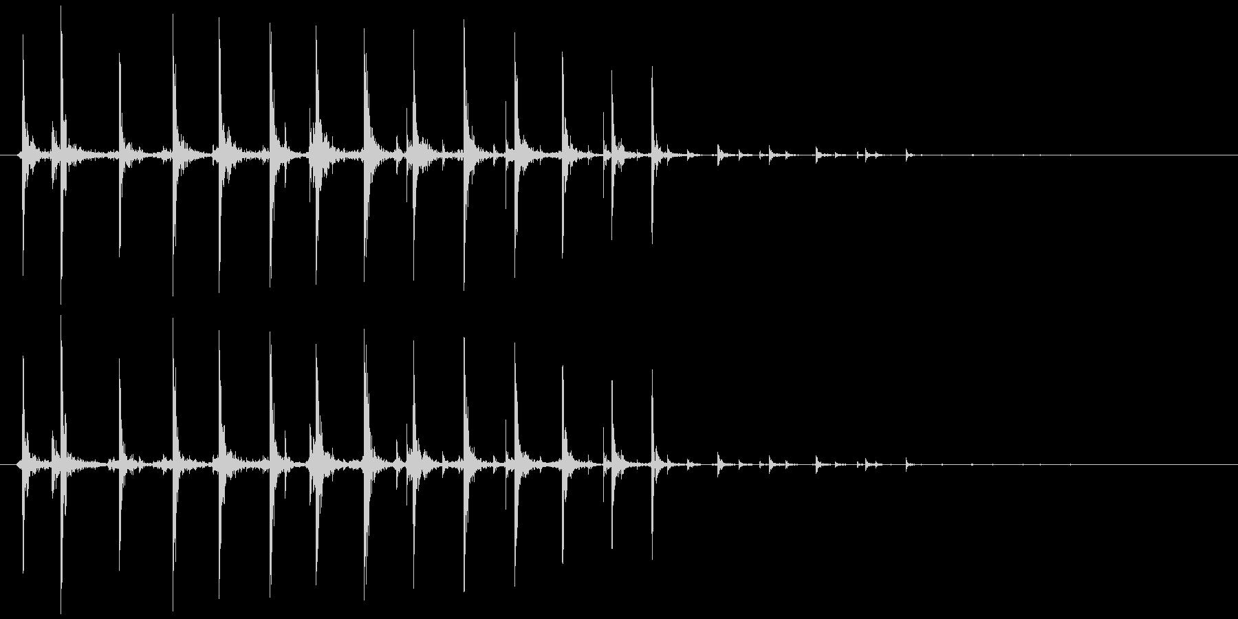 虫、モンスター等(動く鳴く)カチカチ…の未再生の波形