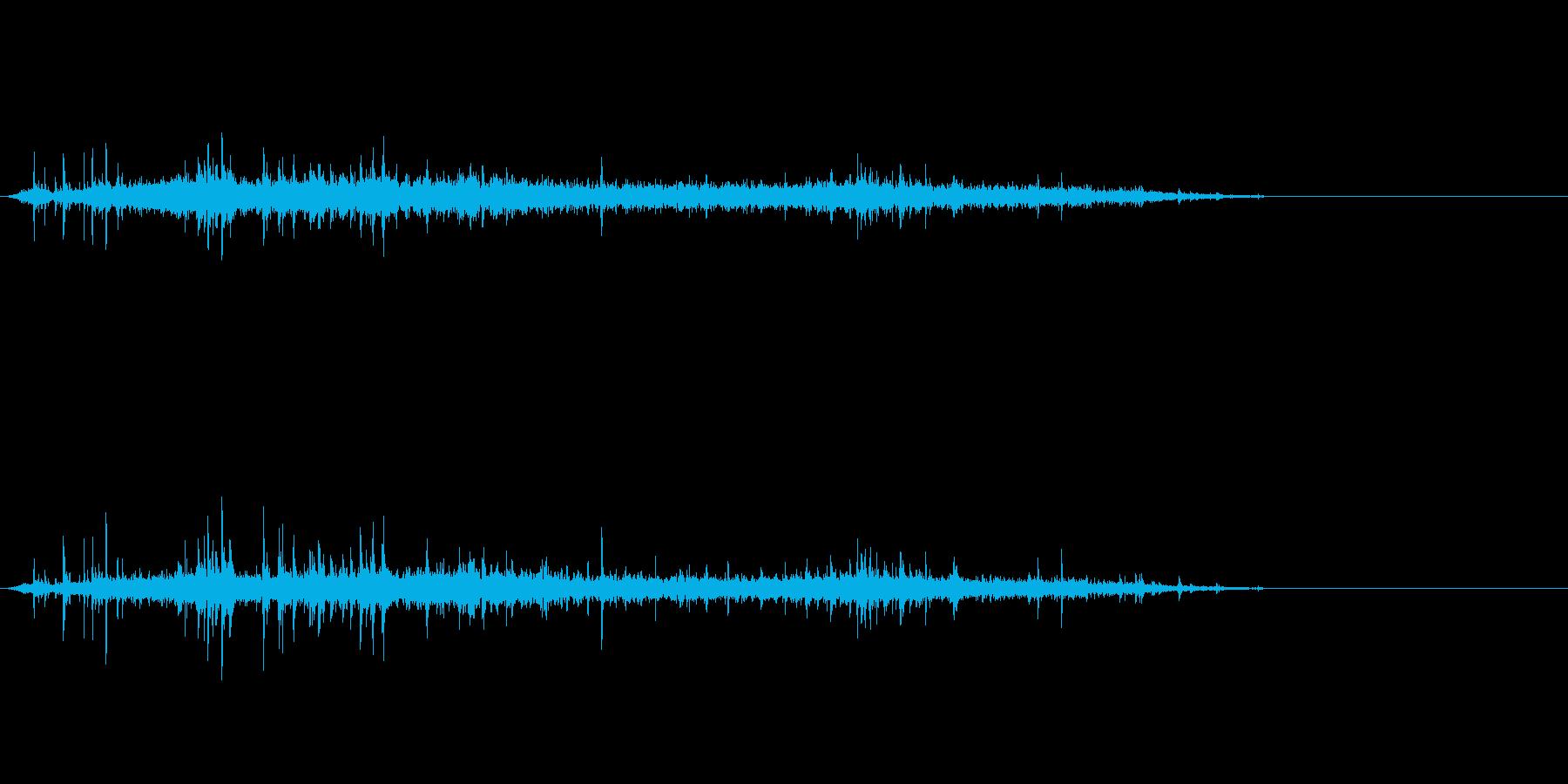 シュワーッ(炭酸飲料を注ぐ音、長め)の再生済みの波形