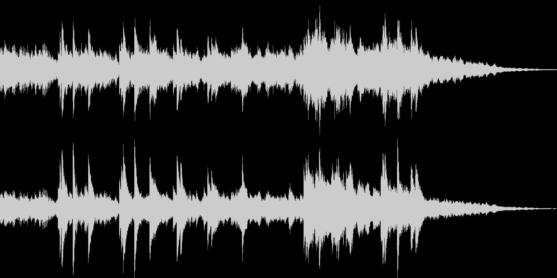 ピアノの音色が重なる美しいインストの未再生の波形