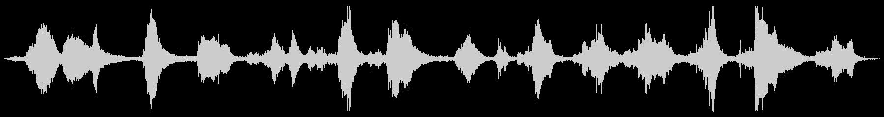 オーシャン:激しい衝突と泡で光が来る波の未再生の波形