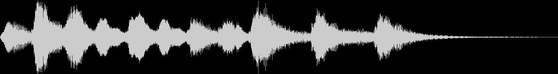 ほのぼのとした管弦楽のジングルの未再生の波形