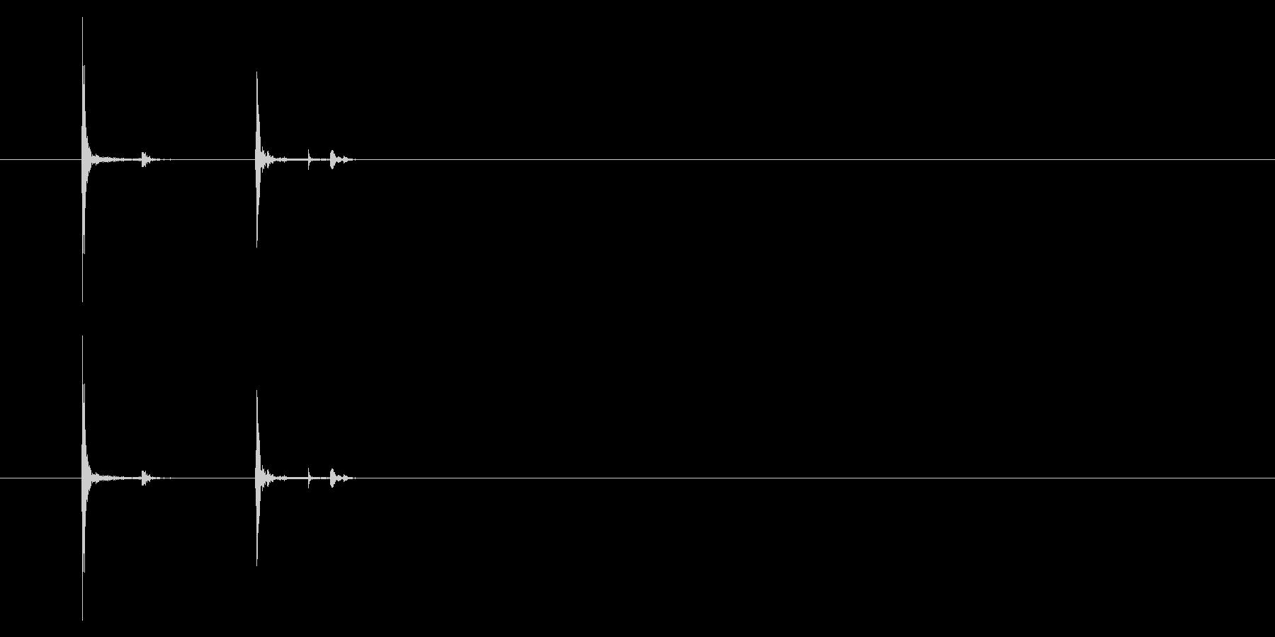 トラックパッド クリック01-06(左 の未再生の波形
