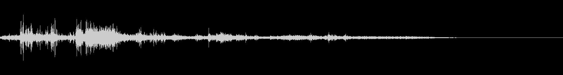 カミナリ(遠雷)-05の未再生の波形