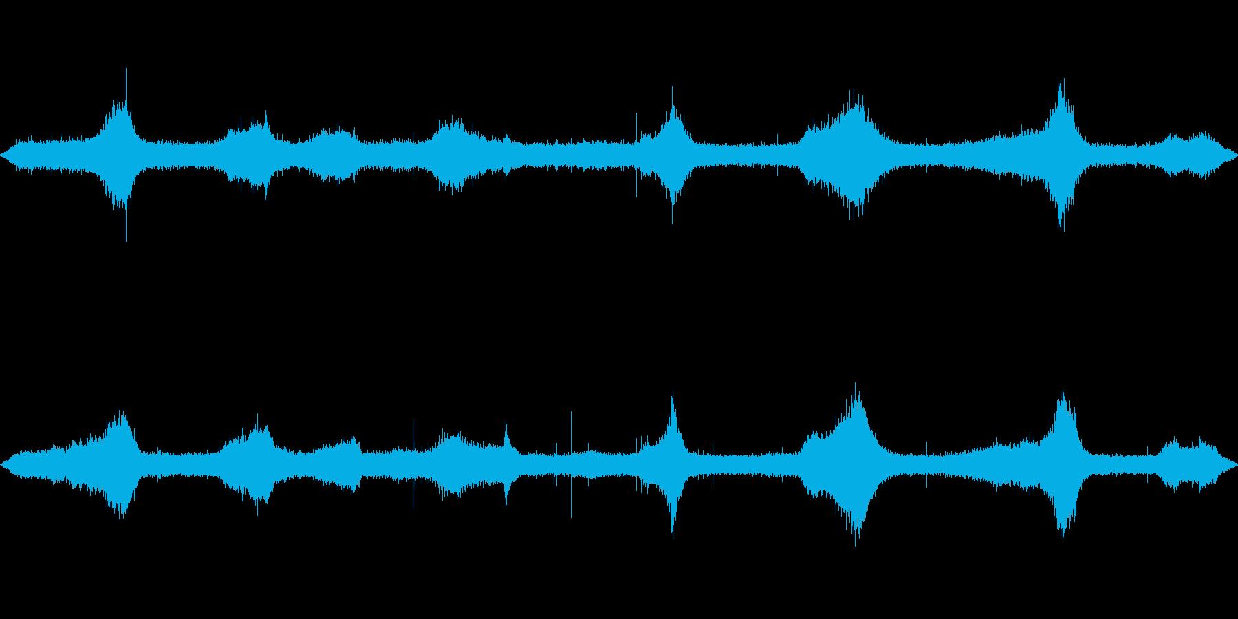 海に雨が降る音(波音と雨音)の再生済みの波形