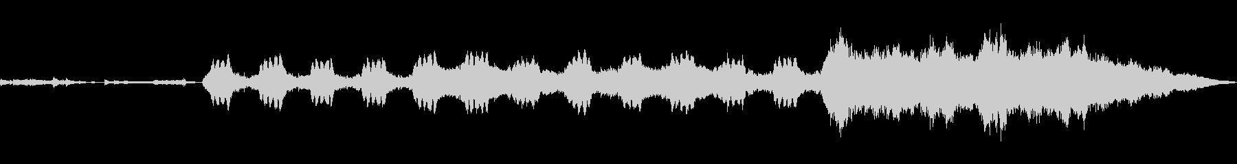 フルートの音色から始まる緊張感のある曲の未再生の波形