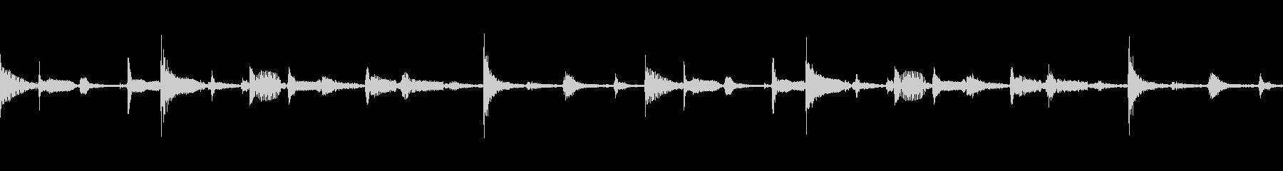 シンセサイザー、ストリングス、ピア...の未再生の波形