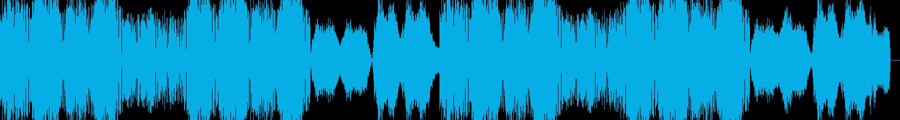 奇抜なドラムンベースのシンセトラックの再生済みの波形