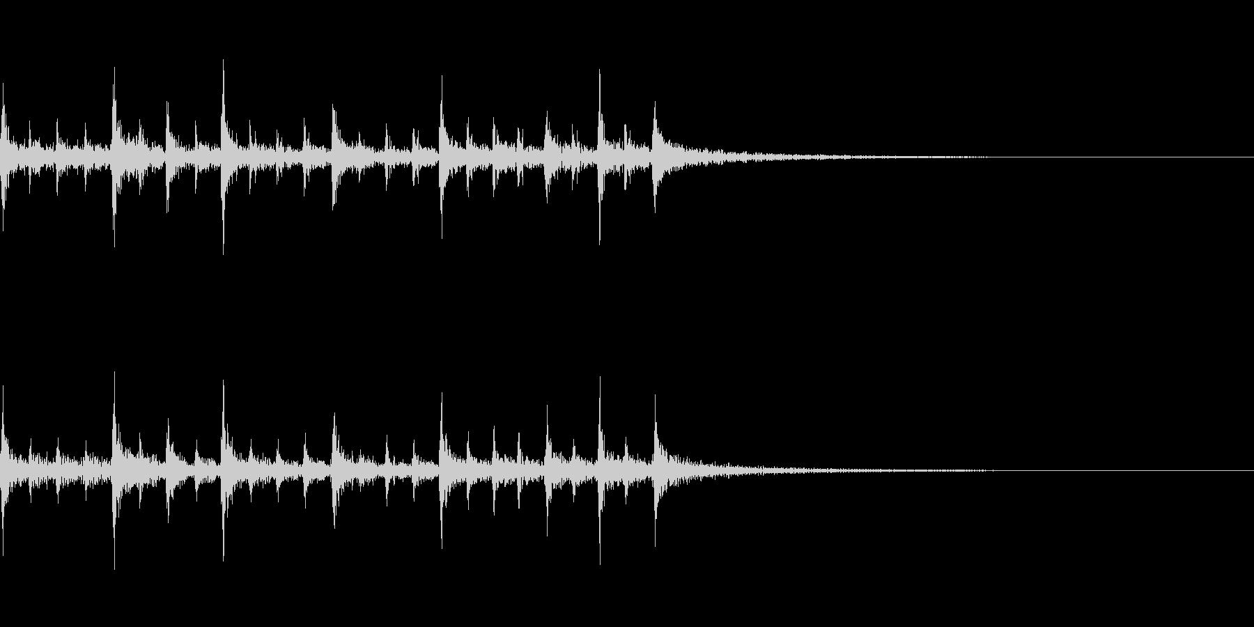 ティンパニのリズム、(手で)「古代...の未再生の波形