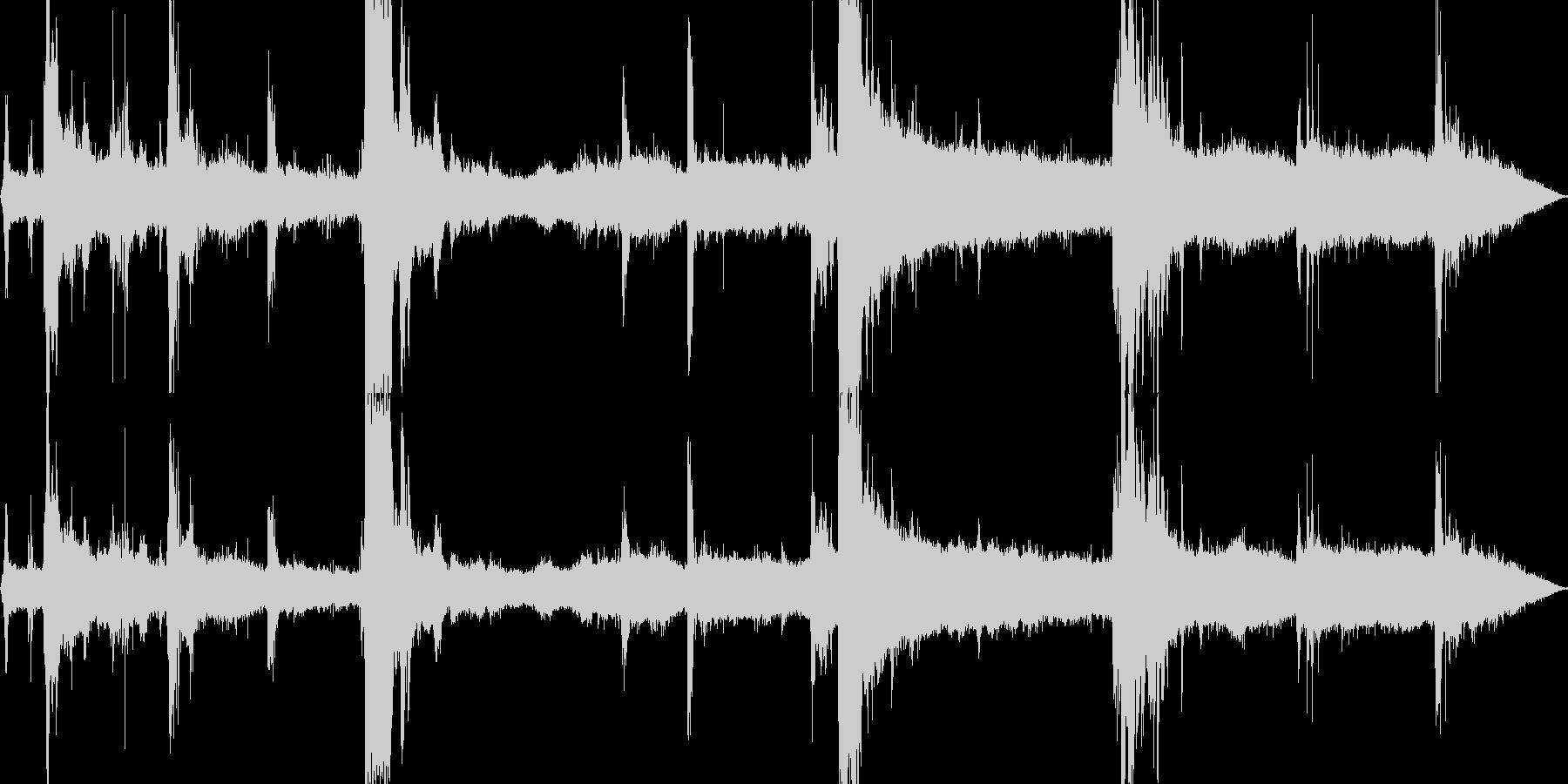【自然音】大雨、落雷の音01の未再生の波形