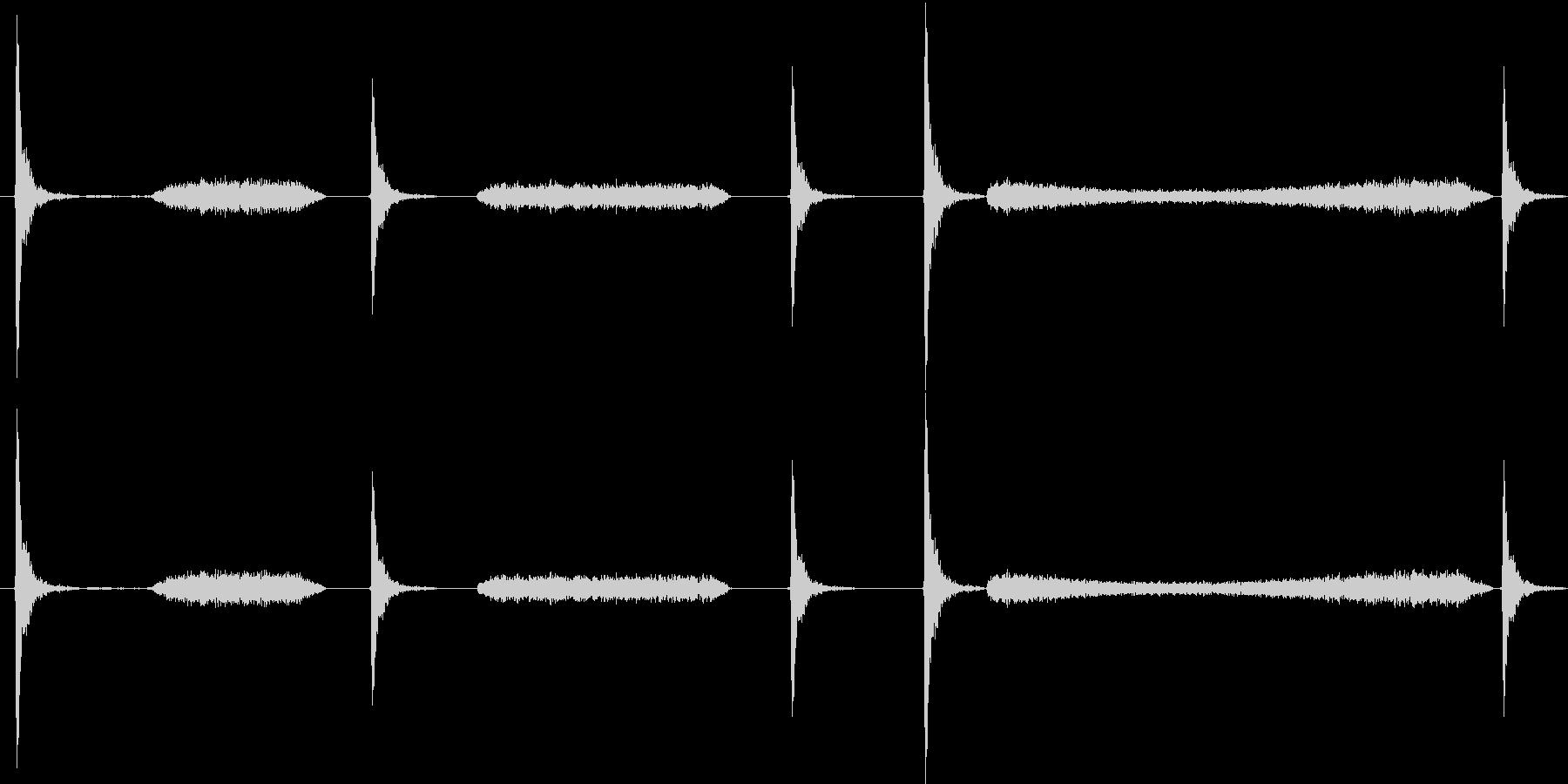 チョークで黒板に書く音の未再生の波形