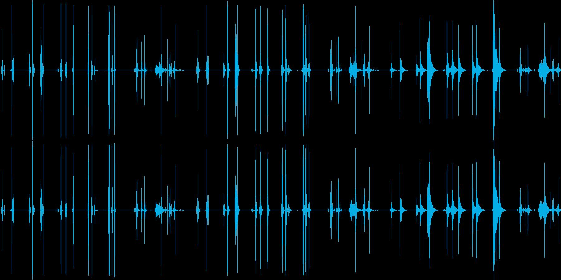 キー、5バージョンX 3ルームで開...の再生済みの波形