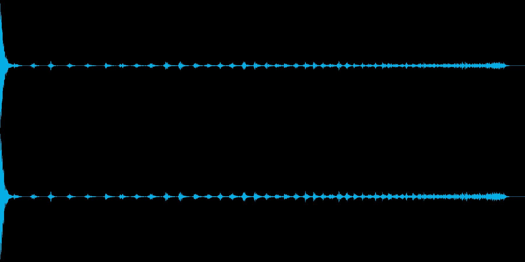 缶を置く04-スチール缶180ml-長いの再生済みの波形