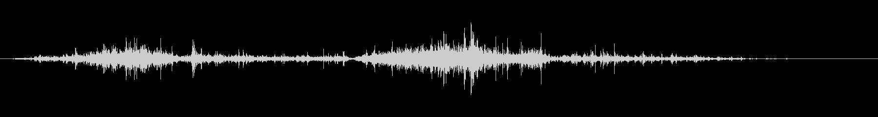ガサゴソと探す音の未再生の波形