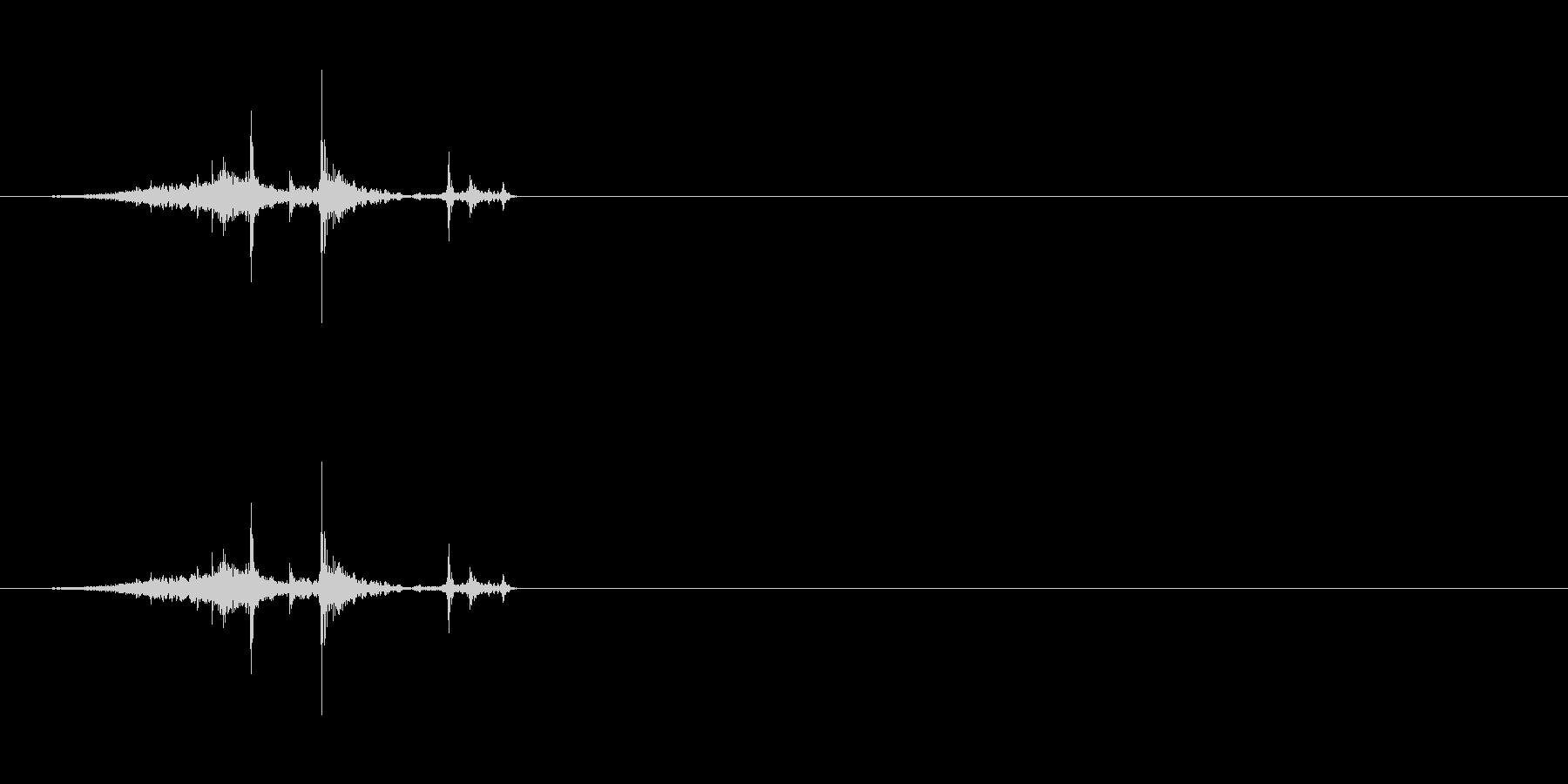 ページをめくる[硬い紙]#3の未再生の波形
