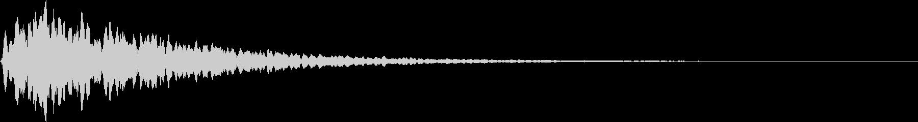 ボーン(洞窟で物を落とした様な音)の未再生の波形