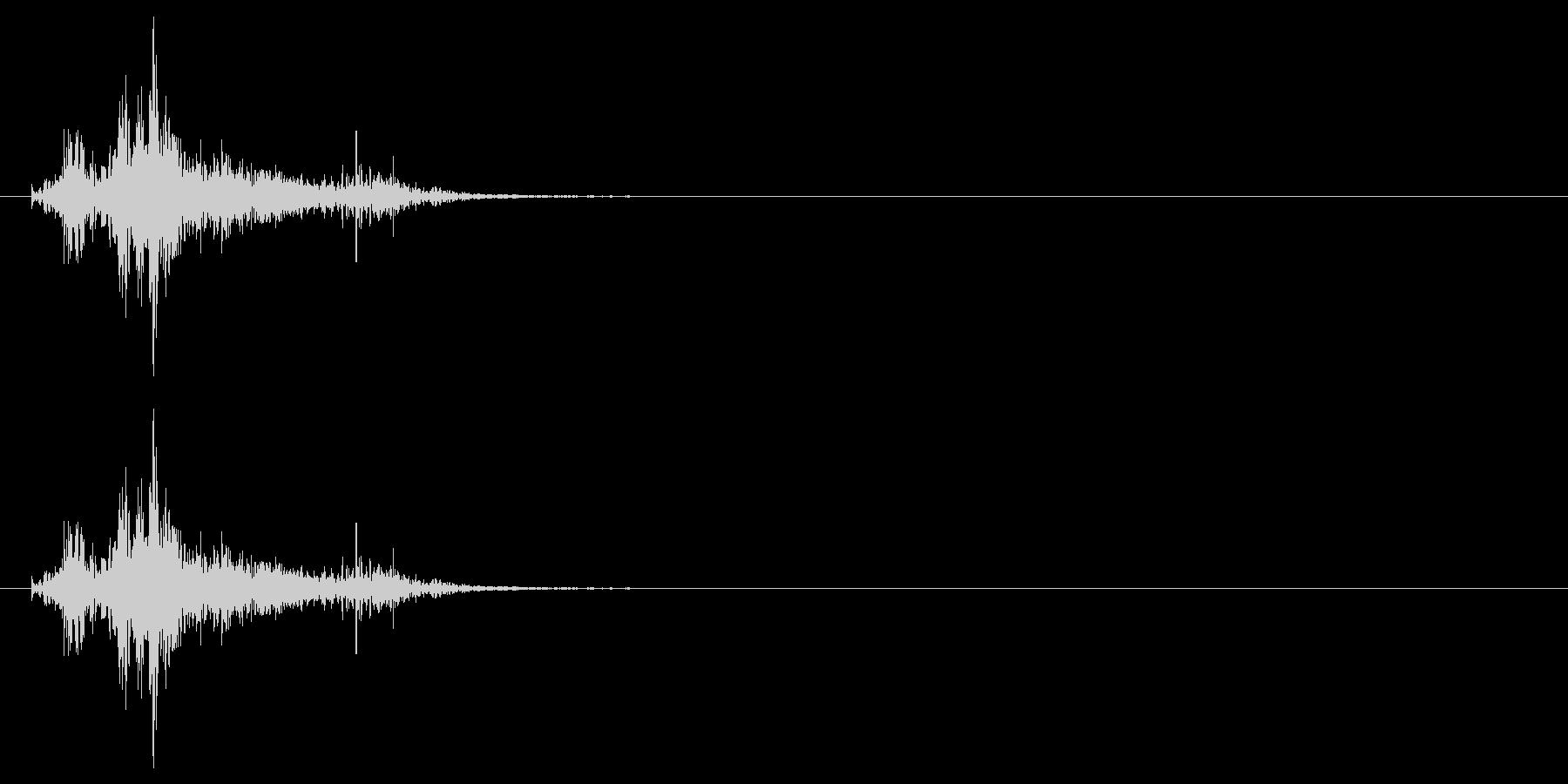 ドサッ(人が倒れる音)02の未再生の波形