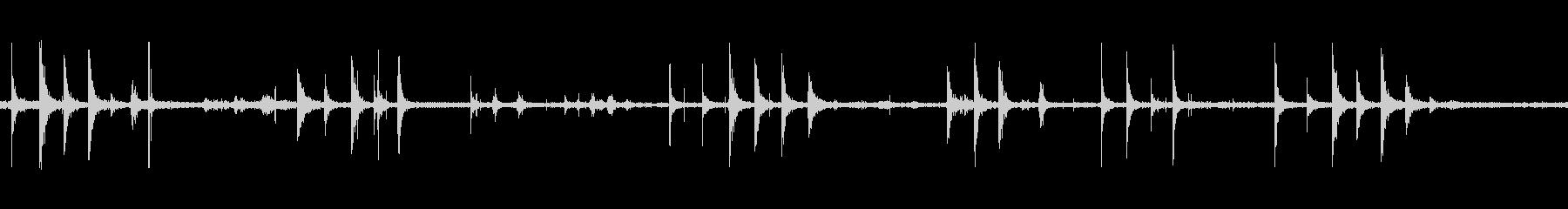 足音ハードシューズ金属ホロの未再生の波形