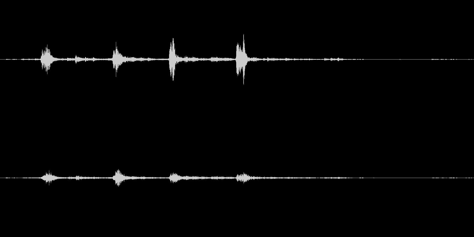 ガラガラ(玄関を開ける音)の未再生の波形