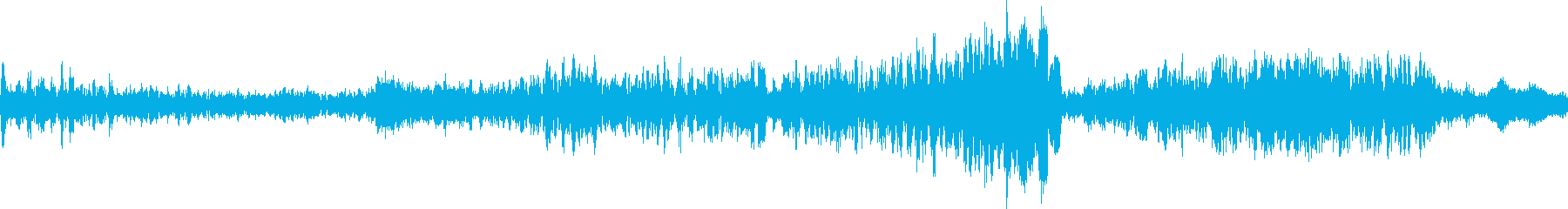 渦巻く怖いテキストのフェードインの再生済みの波形