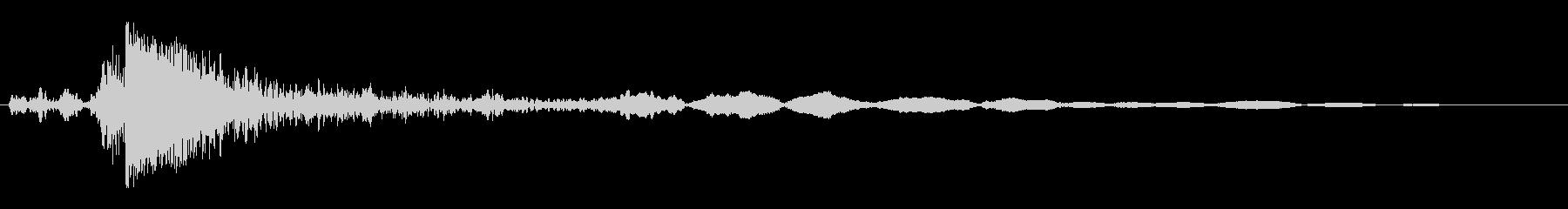 木材が短時間にまとまってぶつかる音の未再生の波形