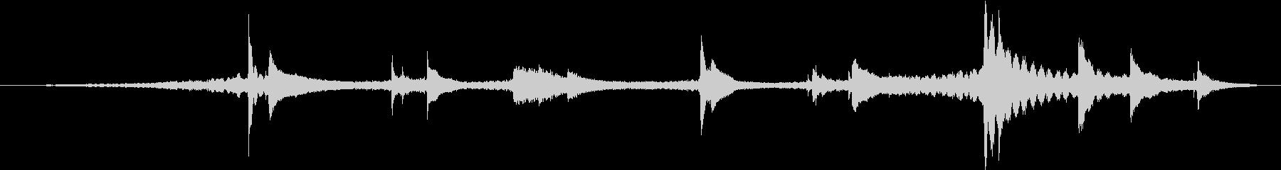 合唱の背景を持つドラマチックなピア...の未再生の波形