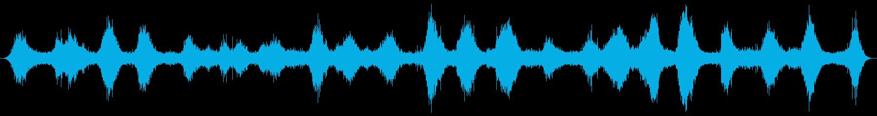 夜の海辺の波の音 葉山の再生済みの波形