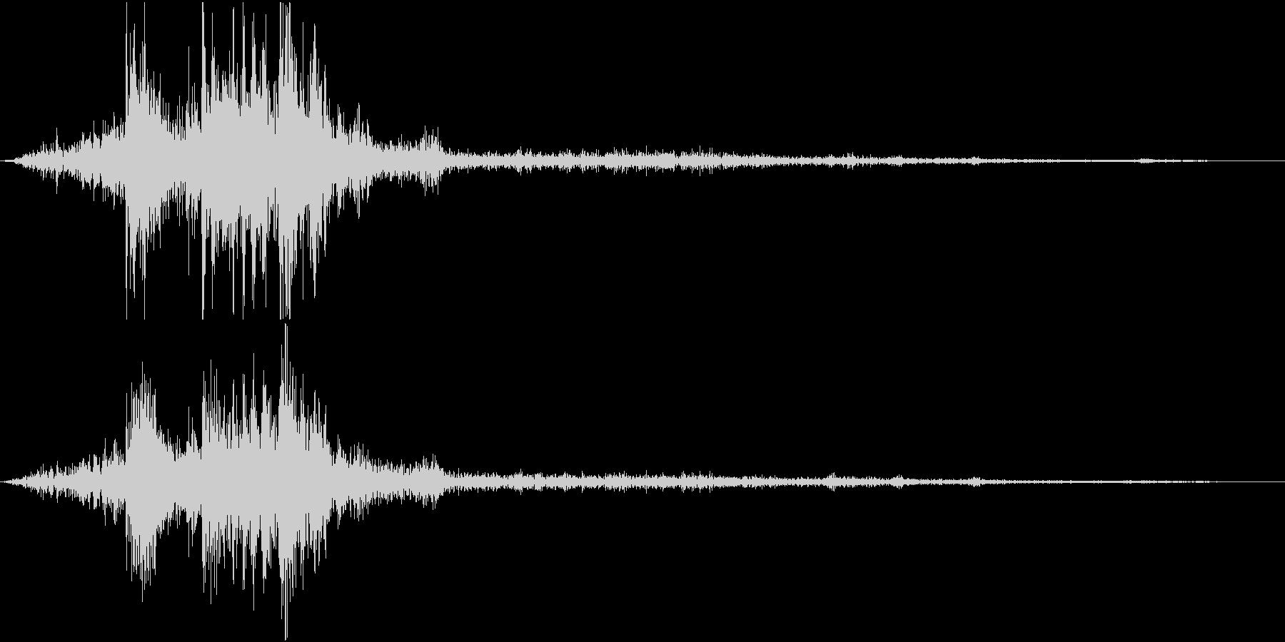 【自然音】カミナリ「ゴロゴロ」04の未再生の波形