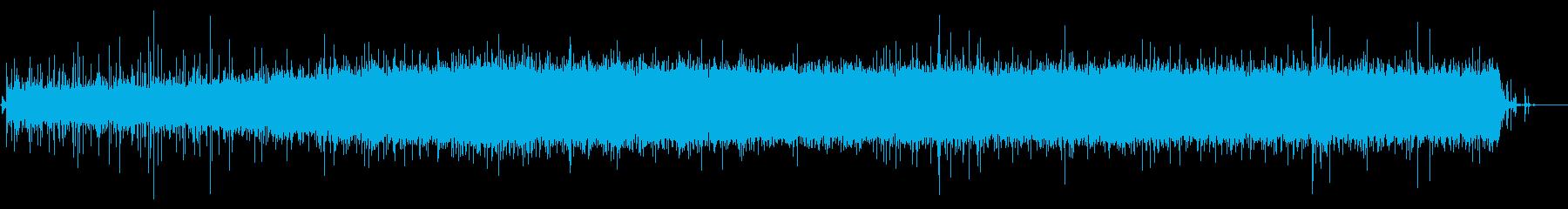 台所の流し:スプレー蛇口を使用して充填の再生済みの波形